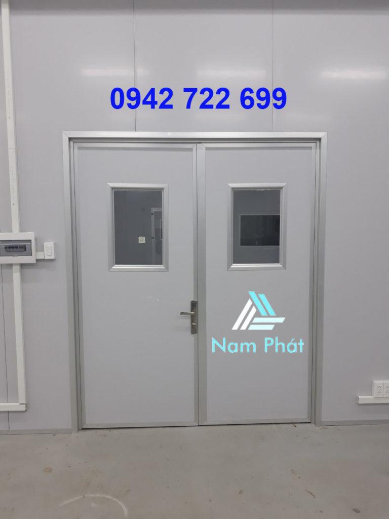 cửa vách ngăn panel eps cách nhiệt